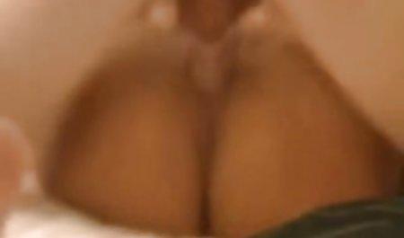 Cantik pirang mendapat diikat dan bercinta dengan wanita dominasi.MP4 jilbab ngisep